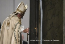 Closing Holy Year, Francis Says Even If Holy Door Has Closed, Christ's Heart Remains Open