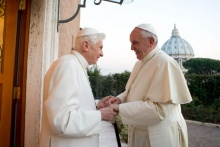 Pope Francis Makes Christmas Visit to Pope Emeritus Benedict XVI